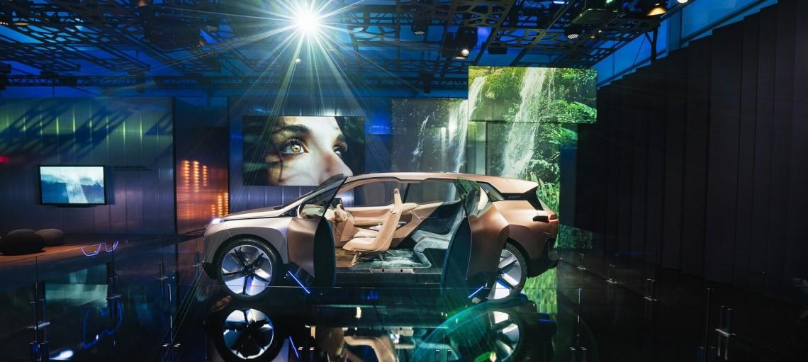 BMW Group на міжнародній виставці споживчих технологій CES 2019 Лас-Вегасі. Віртуальне водіння BMW Vision iNEXT.